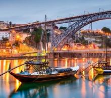 Лисабон и Порто – със самолет и обслужване на български език!